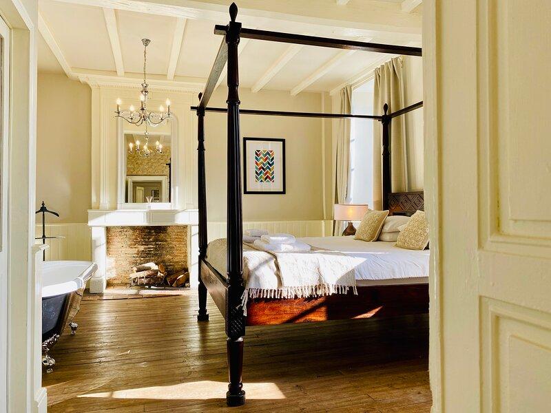 L'Appartement, Le Manoir de Longeveau, holiday rental in Petit-Bersac