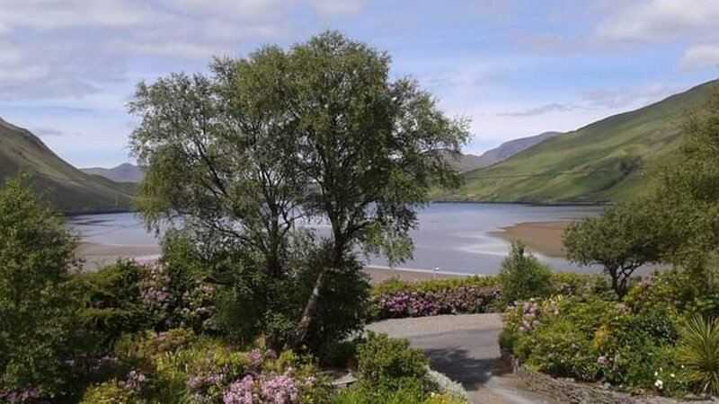 Modern holiday cottage, fantastic fjord views, holiday rental in Leenane