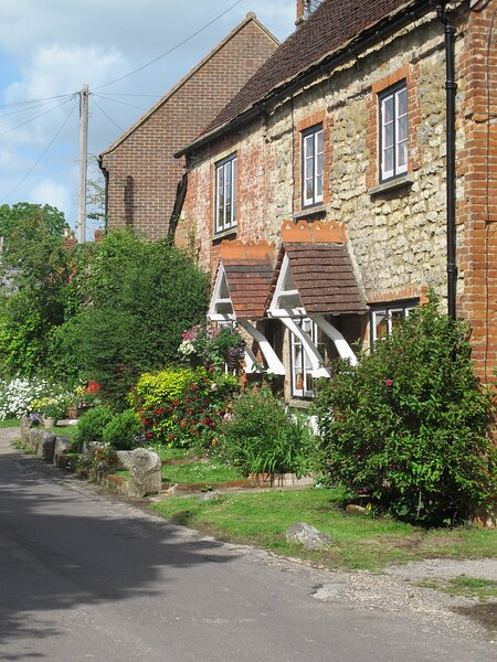 Cosy Holiday Cottage Self Catering in Historic Village near Bath, Longleat, holiday rental in Erlestoke