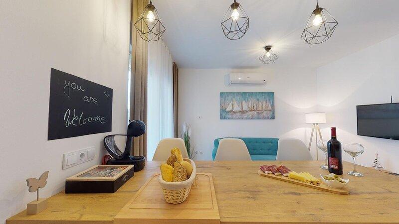 Apartment Olive Tree, holiday rental in Kastel Kambelovac