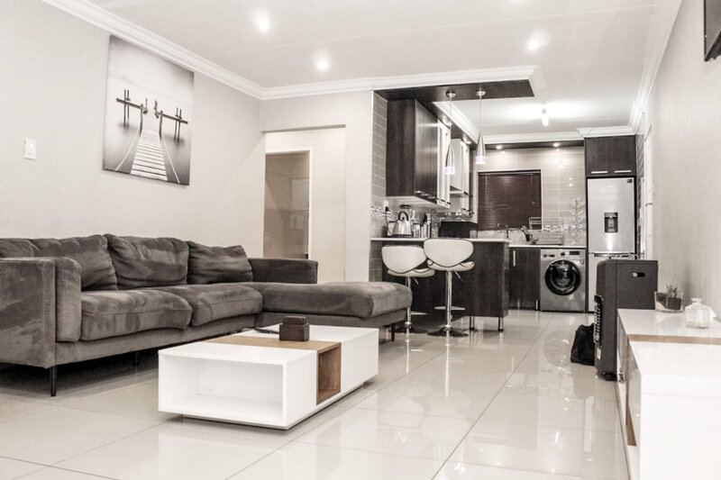 Glenvale - Home of Luxury, Peace and Comfort, vacation rental in Johannesburg