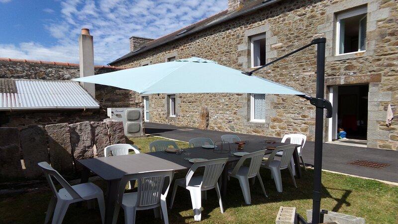 La Grenouillère - Grande longère bretonne - Pléneuf-Val-André, holiday rental in Henansal