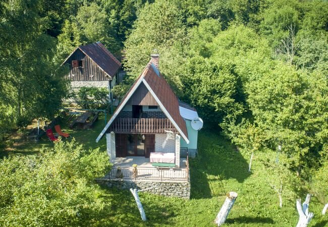 Papicic Selo Holiday Home Sleeps 7 with WiFi - 5882098, holiday rental in Gospic