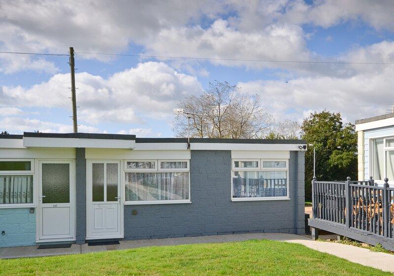 118 Sandown Bay Holiday Centre, Yaverland, Sandown, holiday rental in Brading
