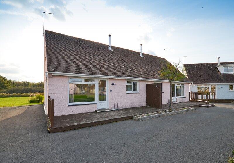 18 Tollgate Cottages, Seaview, location de vacances à Nettlestone