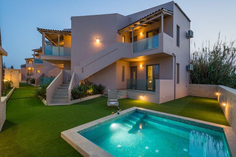 Ocean Breeze Luxury Maisonette-50m from the beach!, holiday rental in Maleme