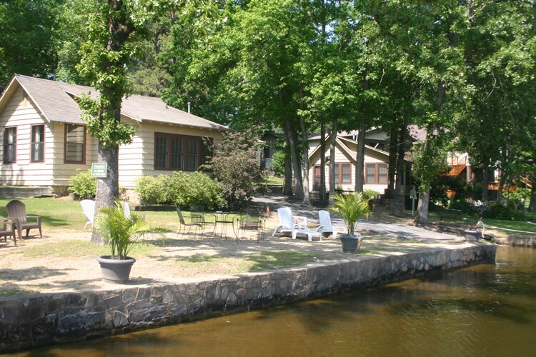 Cottage # 4 - Edgewater Resort - Pet Friendly, holiday rental in Lake Hamilton