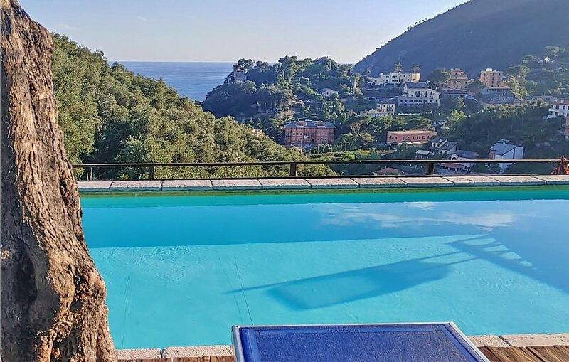 Nice apartment in Moneglia with Outdoor swimming pool and 2 Bedrooms (ILL809), vacation rental in Moneglia