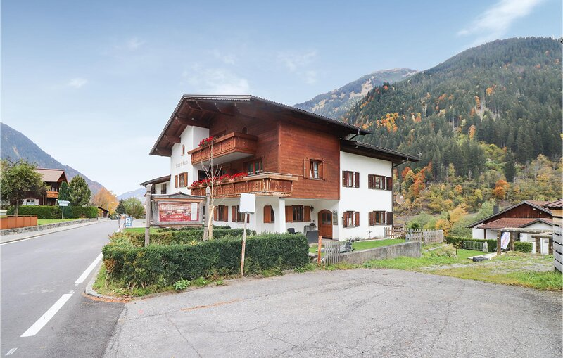 Stunning apartment in St. Gallenkirch with 1 Bedrooms (AVO148), holiday rental in Sankt Gallenkirch