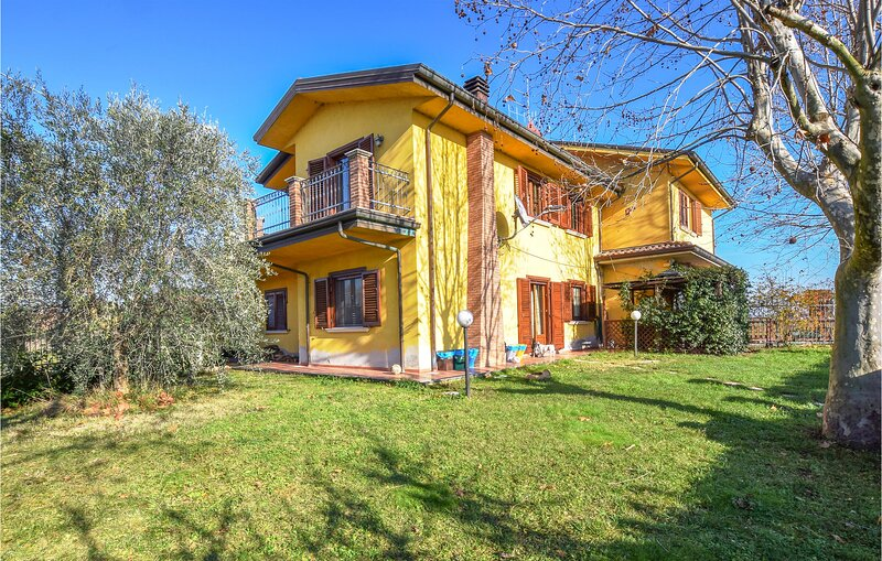 Stunning home in Gatteo with 4 Bedrooms (IEK359), vacation rental in San Mauro Pascoli