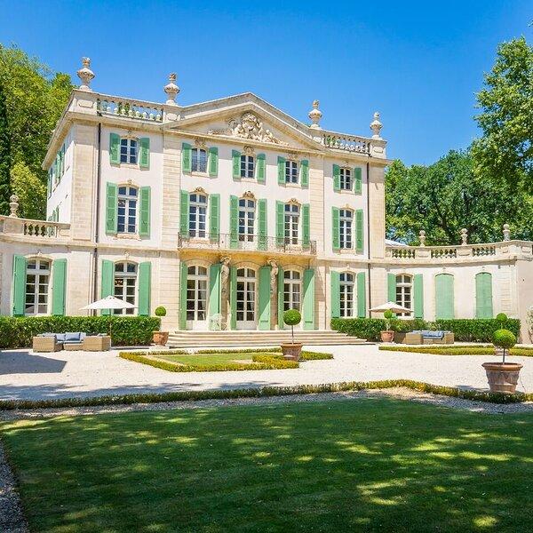 Chateau Provence Elegance, holiday rental in Loriol-du-Comtat