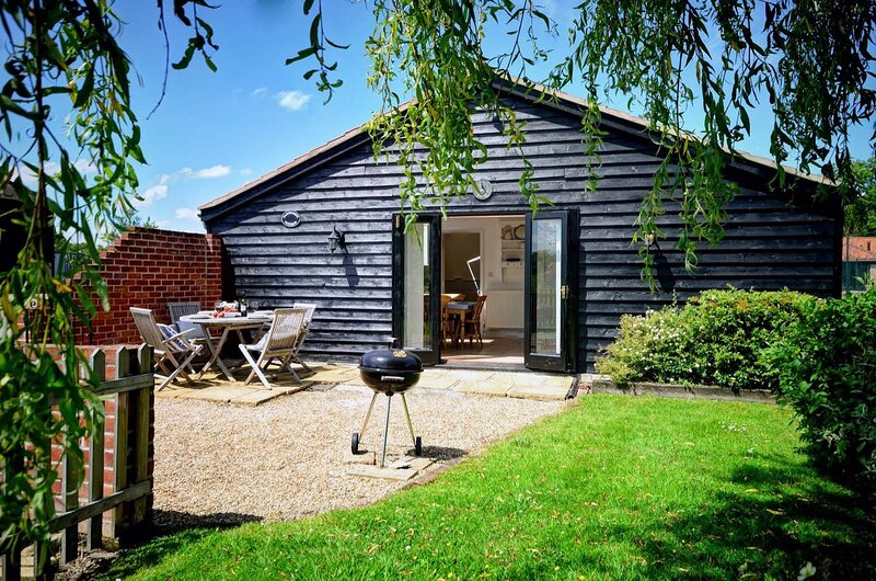 East Green Farm Cottages - Gardeners Cottage, holiday rental in Saxmundham
