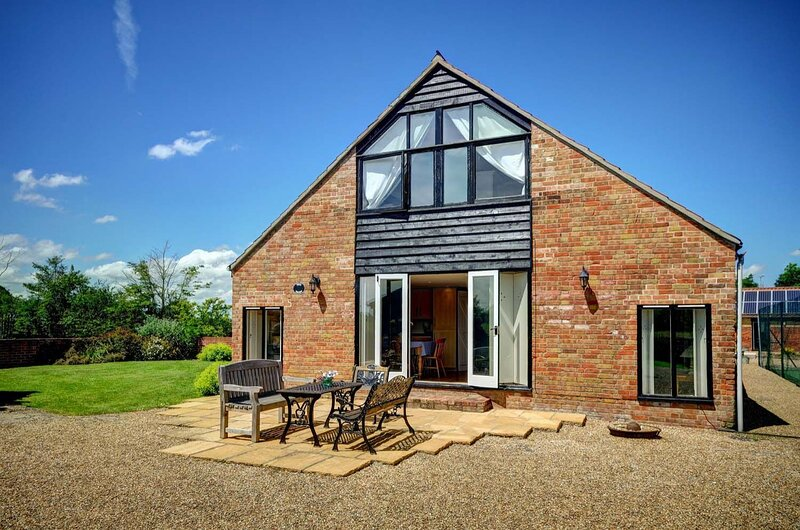 East Green Farm Cottages - The Dairy, holiday rental in Saxmundham