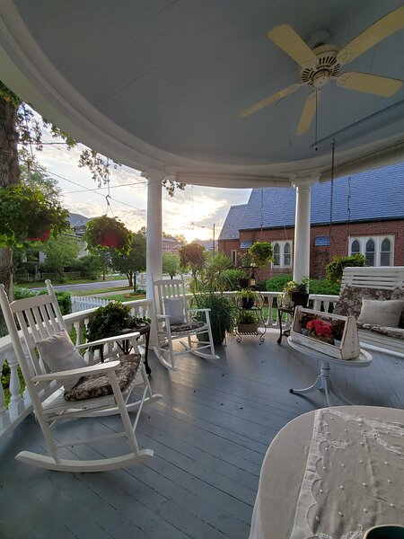 Transferring In For Work & Needing Comfortable Stay?, holiday rental in Elizabeth City
