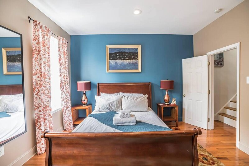 3BR Home in South Philly (Tasker Street), aluguéis de temporada em Williamstown