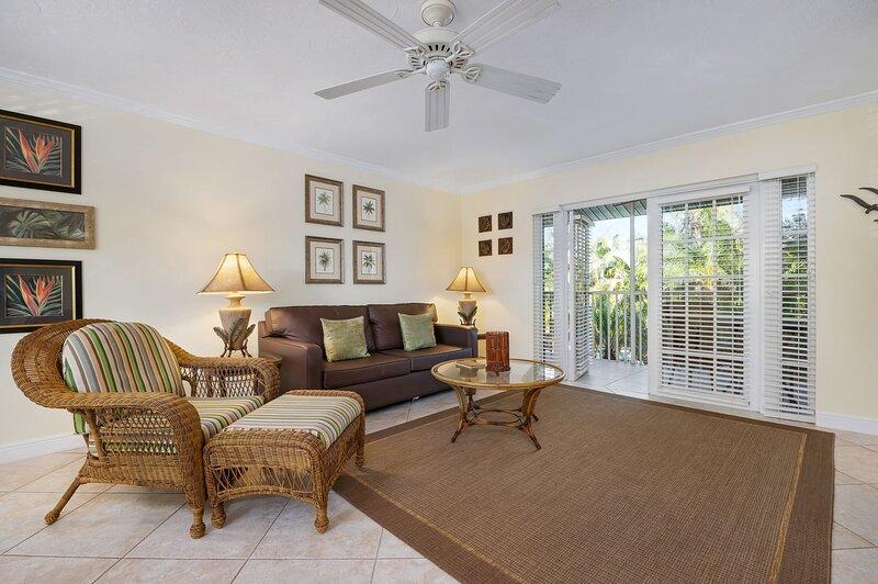 Siesta Key Inn 1Br/1B Pineapple Palm #2D, holiday rental in Siesta Key