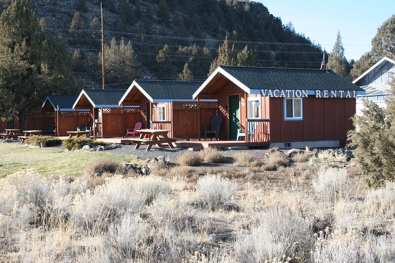 Cozy Cabin with Awe-Inspiring Views, holiday rental in Crooked River Ranch