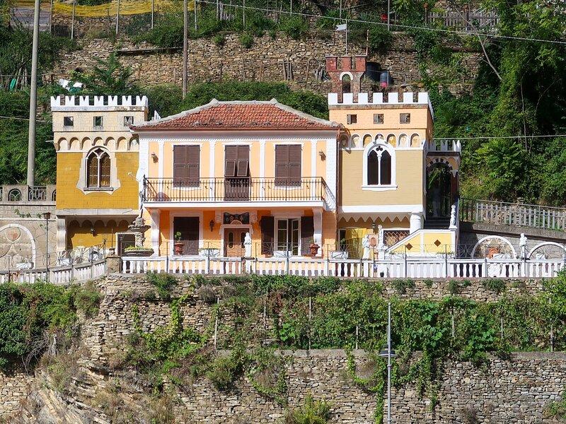 Villa Castello (BLC130), vacation rental in Agaggio Inferiore