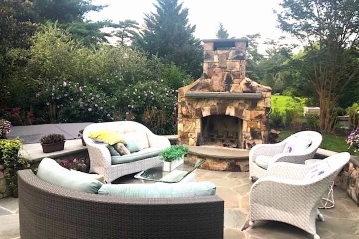 Newly Listed - Warm up Fireside or in the Hot Tub at this Annapolis-area Luxurio, location de vacances à Glen Burnie