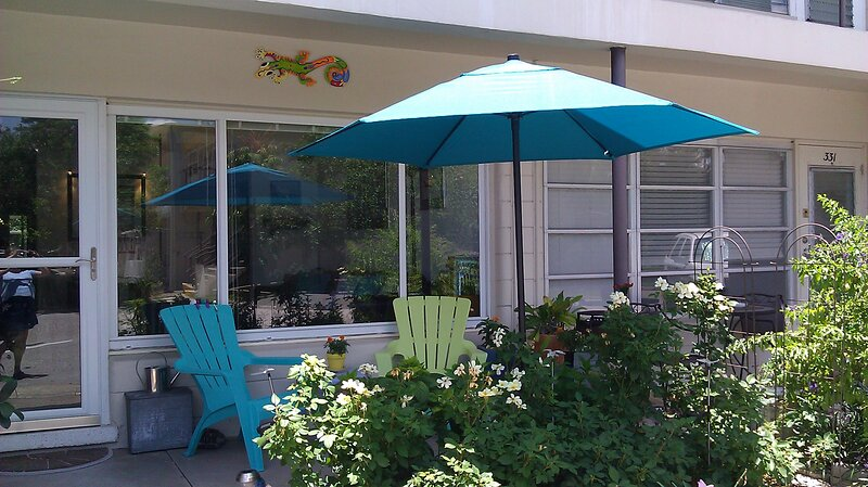 Cozy Cottage in the Heart of Pinellas County, holiday rental in Pinellas Park