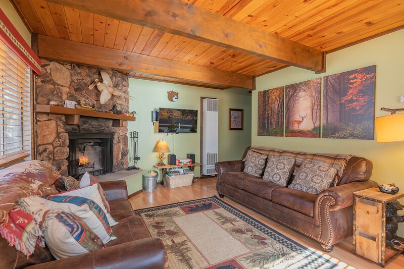 Crazy Bear Cabin, holiday rental in Sugarloaf
