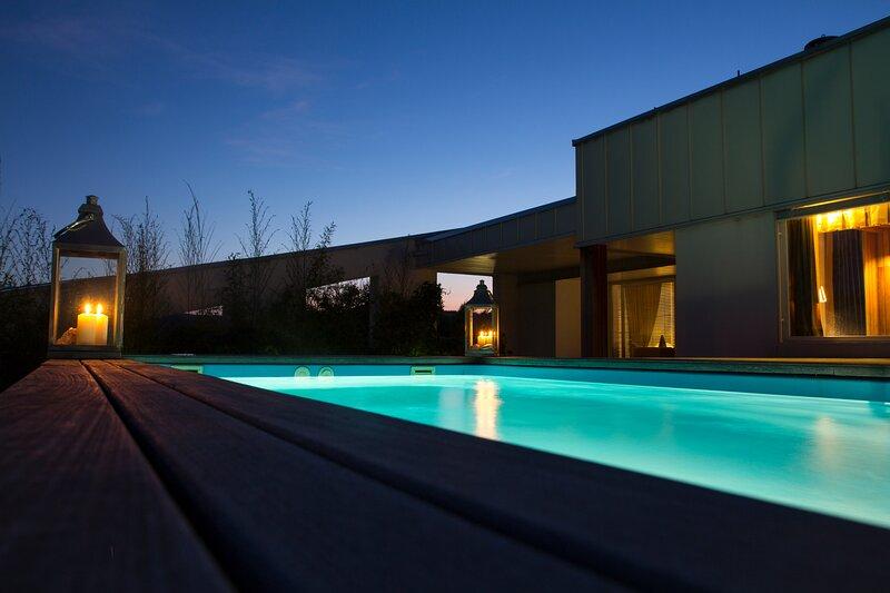 Pavi Apt Ljubljana - Private Rooftop Swimming pool, aluguéis de temporada em Nova Vas