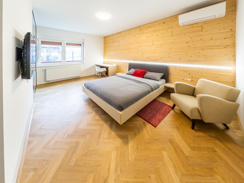 Apartments Kamr'ca - brand new rooms with private bathroom & kitchen, holiday rental in Domzale