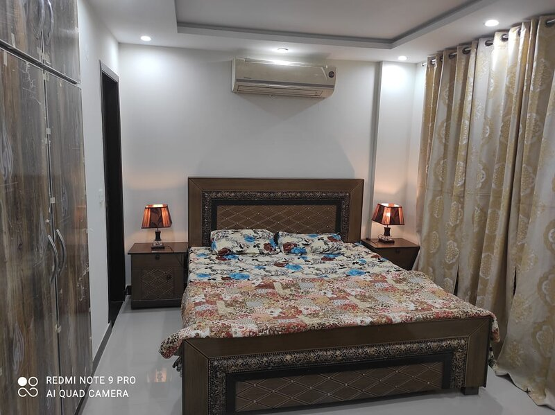 1 Bedroom Full Furnished Apartment, holiday rental in Lahore