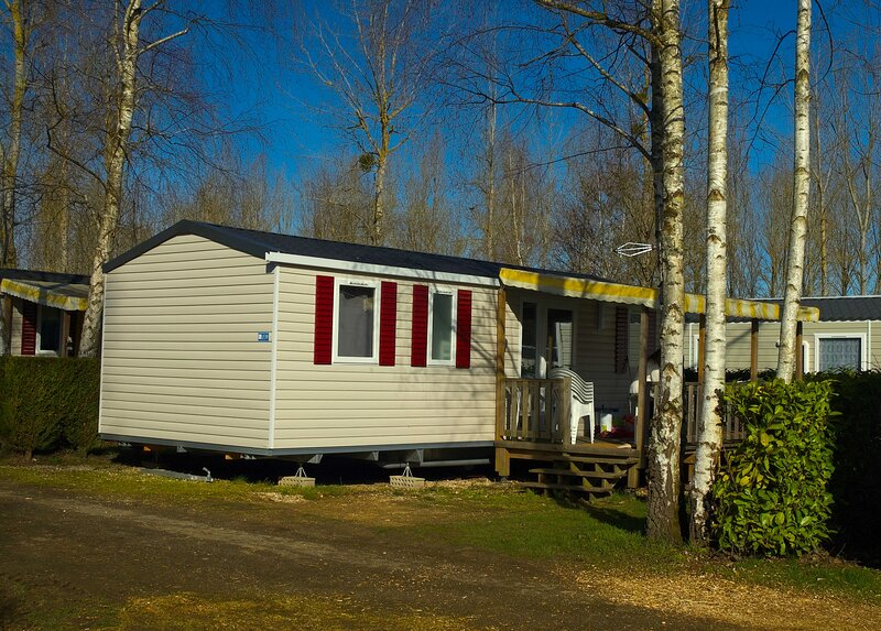 En Val de Loire, votre mobil-home vous attend au camping du domaine du Dugny, vacation rental in Molineuf