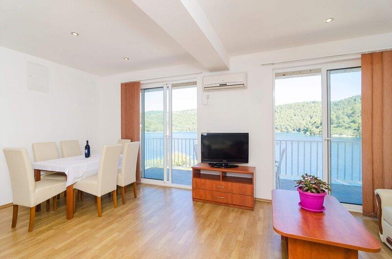 Dream 2BR apartment3 #Mljet#seaview- Angelo, holiday rental in Govedari