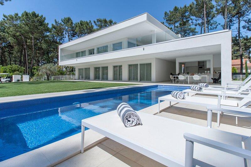 Villa Desiris - New!, aluguéis de temporada em Charneca da Caparica