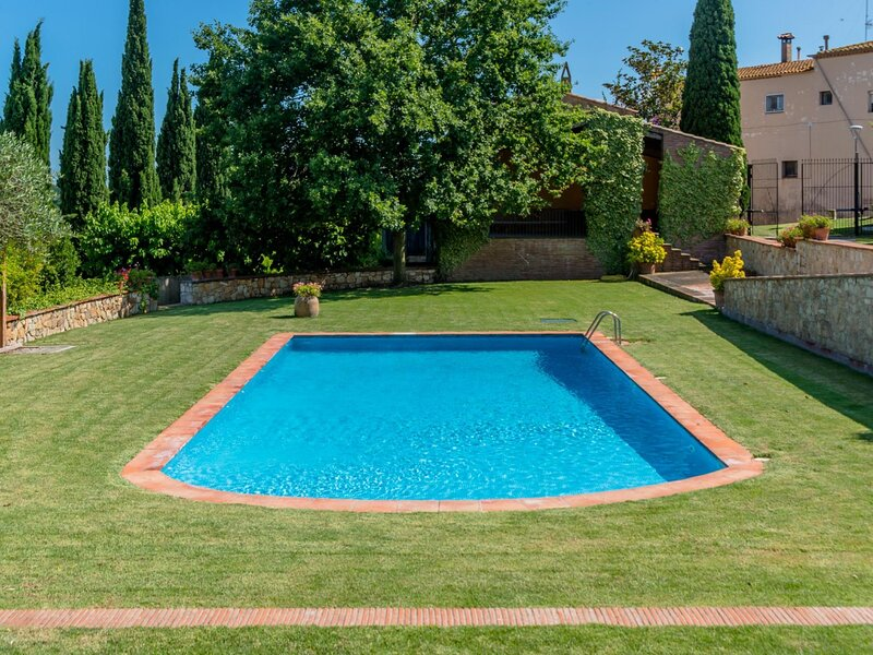 Costabravaforrent Mas Xargay, holiday rental in Bellcaire d'Emporda