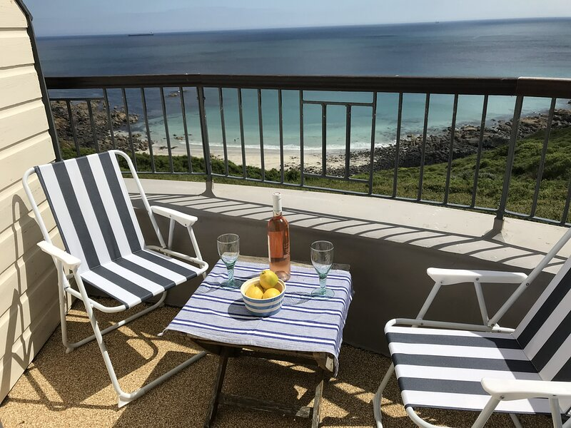 Outstanding Views over secluded cove and headland., vacation rental in Coverack