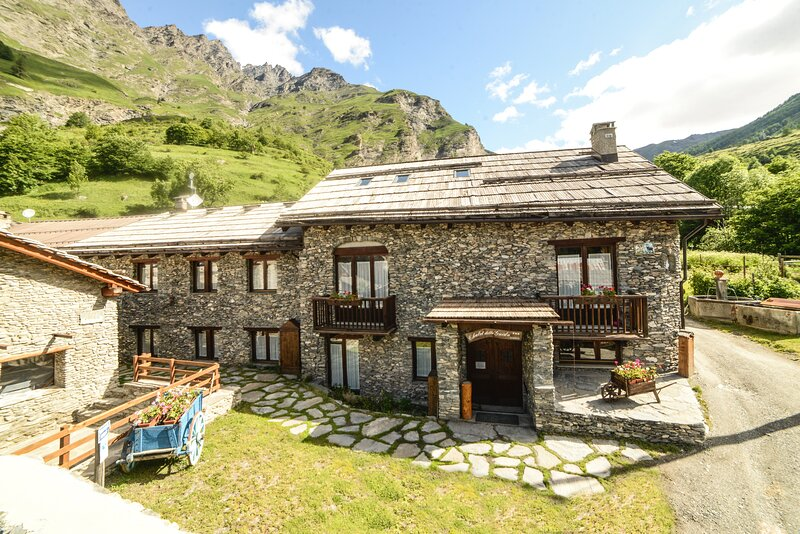 Monolocale 4 posti letto al Residence Chalet della Guida, vacation rental in Bardonecchia