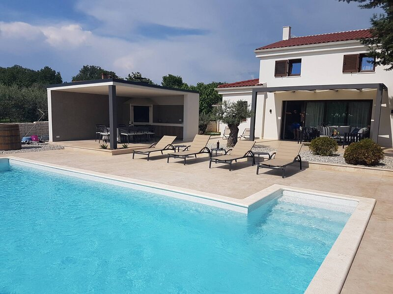 Villa Caprice, vacation rental in Beli
