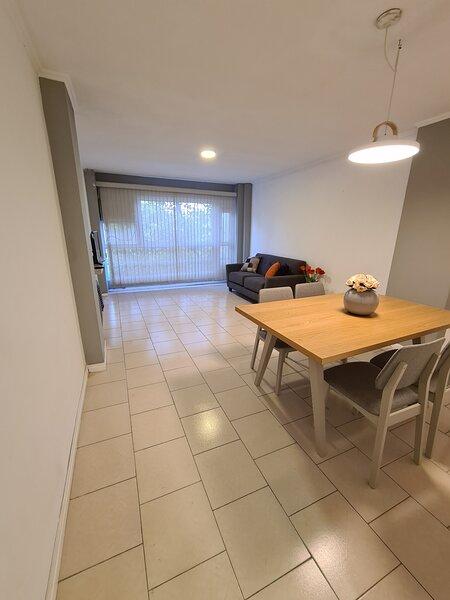 Moderno departamento, excelente ubicacion, holiday rental in Mendoza