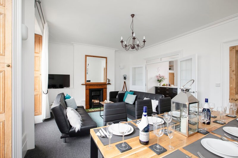 Beautiful central townhouse with parking and garden, holiday rental in Walmer