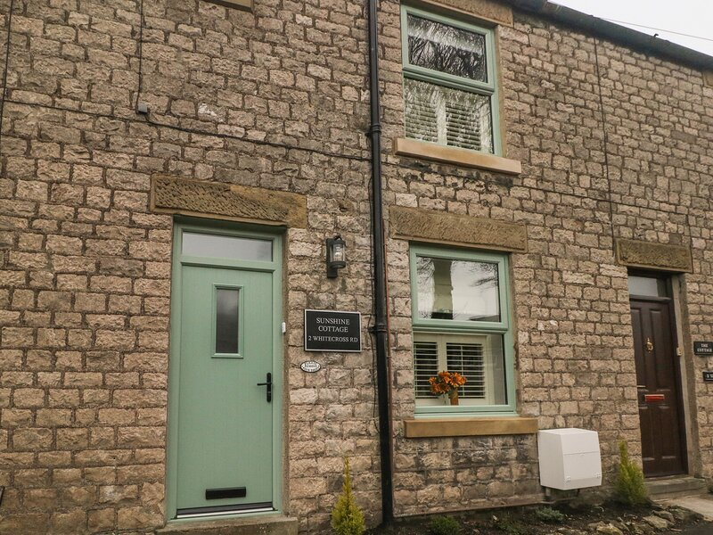 Sunshine Cottage, Tideswell, vacation rental in Foolow
