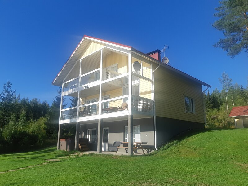 Jacuzzi Rantakallio, casa vacanza a South Karelia