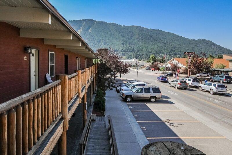 2 Bedroom Apartment 1 Block From Downtown!, location de vacances à Jackson Hole
