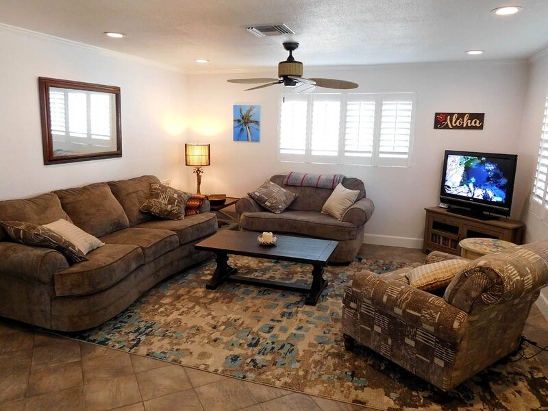Aloha - Pet-Friendly Fort Myers Beach Pool House, location de vacances à Fort Myers Beach