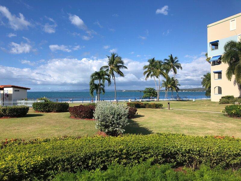 III-108, 1-bdr at Haciendas del Club, WiFi, garden, full A/C, hammock, private, holiday rental in Cabo Rojo