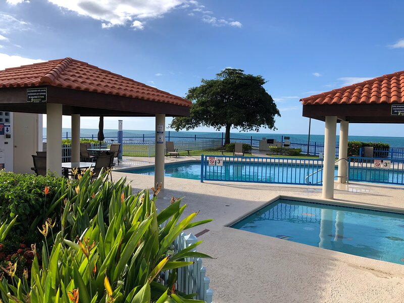 Haciendas del Club IV405 breathtaking views from y, location de vacances à Cabo Rojo