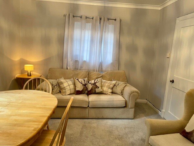 This newly refurbished cottage has 3 bedrooms, Cosy Lounge and Spacious garden, vacation rental in Seer Green