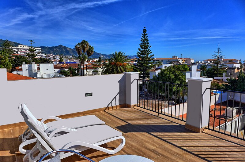 Stylish House With Private Garden & Roof Terrace, Great Location, holiday rental in Nerja