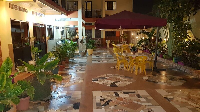 Cheap and comfortable hostel residence in the heart of Luanda, holiday rental in Luanda
