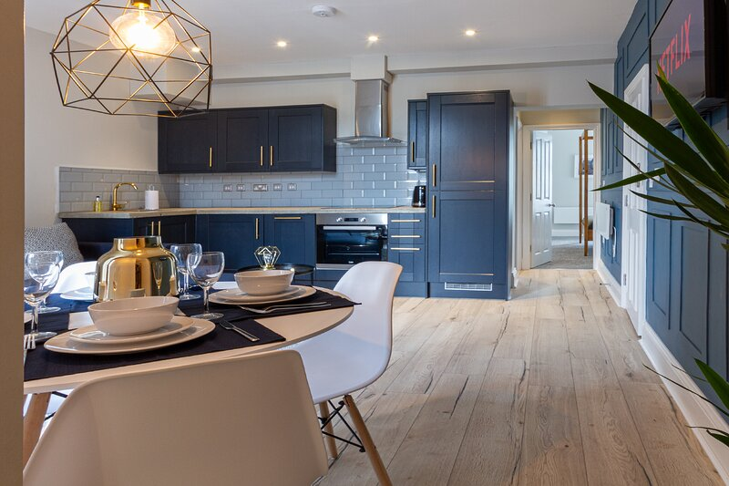 ELMIRE HOUSE - CONTEMPORARY APARTMENTS  NEWCASTLE - Apt 4, holiday rental in Hebburn