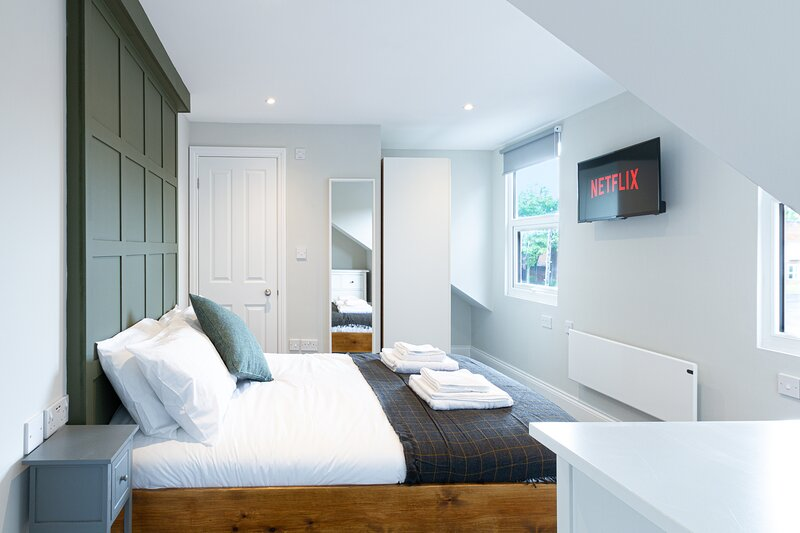 ELMIRE HOUSE - CONTEMPORARY APARTMENTS  NEWCASTLE - Apt 5, holiday rental in Hebburn