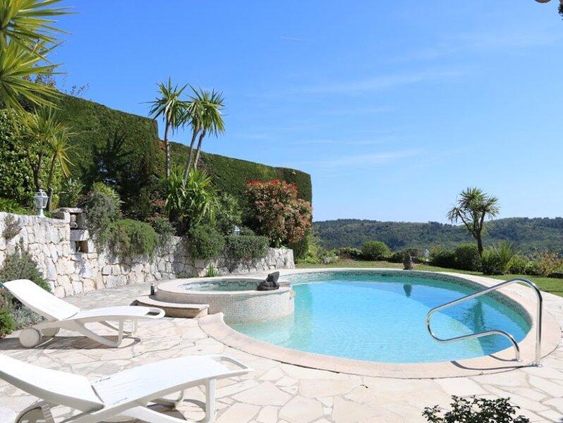 NEW ONLINE - Tourrettes Sur Loup, Charming Villa, private pool, mountain views, location de vacances à Tourrettes-sur-Loup