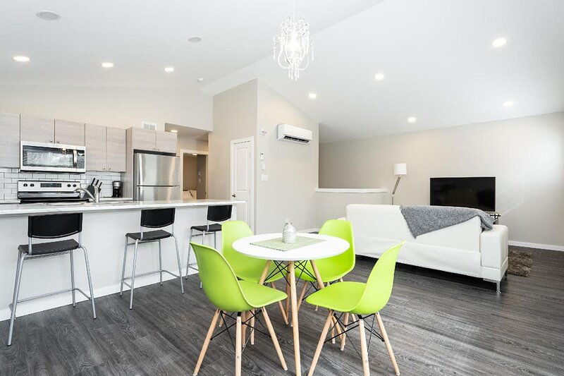 Modern 2 Bedroom - Close to DT & Airport – semesterbostad i Winnipeg